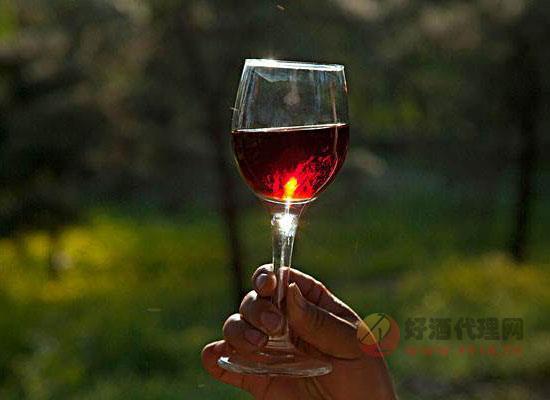 喝紅酒之前為什么要晃杯