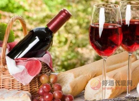 葡萄酒装在塑料瓶里可以吗