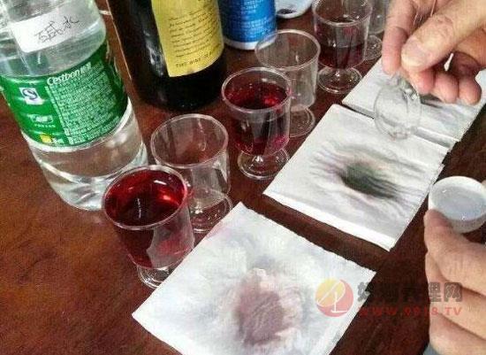 如何用碱鉴别红酒