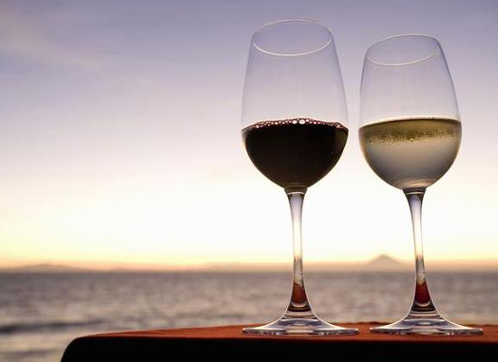 进口葡萄酒有中文背标吗