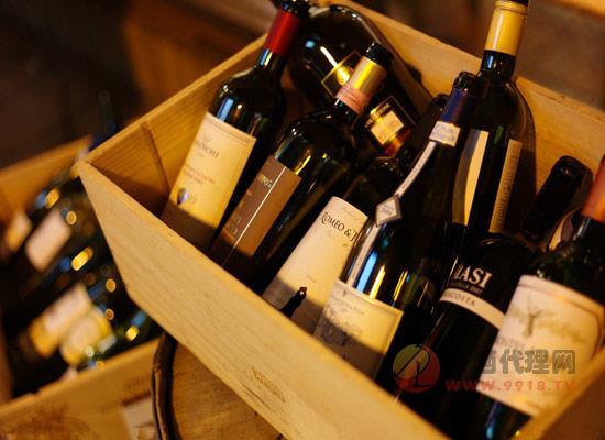西班牙小飞马干红葡萄酒