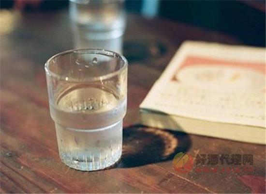 买散装白酒需要注意什么