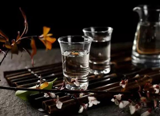 秋季喝白酒有啥好处