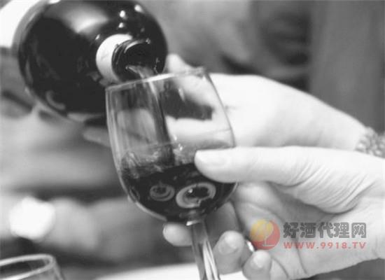 红寺堡红粉佳荣葡萄酒