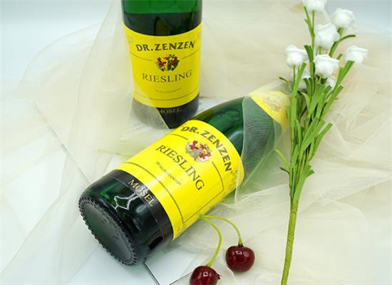摩泽尔雷司令白葡萄酒