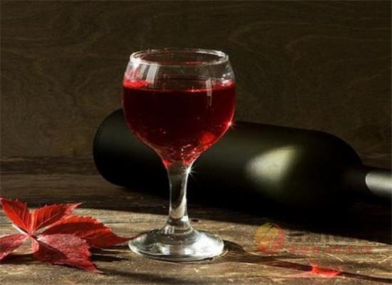 阿斯蒂巴贝拉红酒
