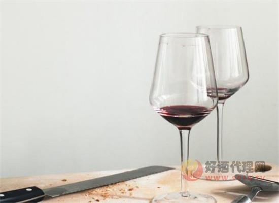 女性喝红酒可以变得更聪明吗