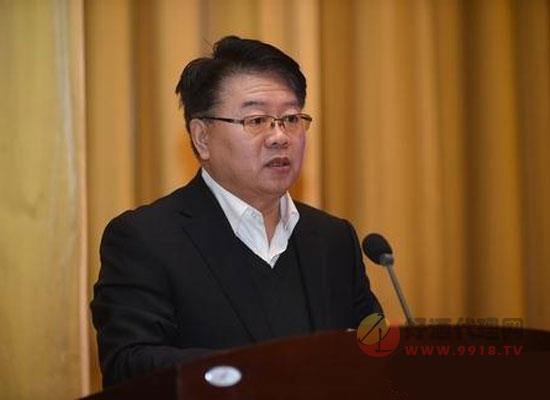 山東省工信廳二級巡視員張忠軍發表講話