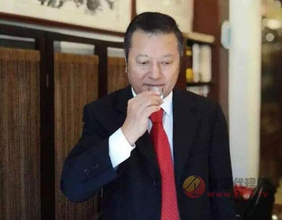 中國酒業協會名酒收藏委員會副主席胡義明