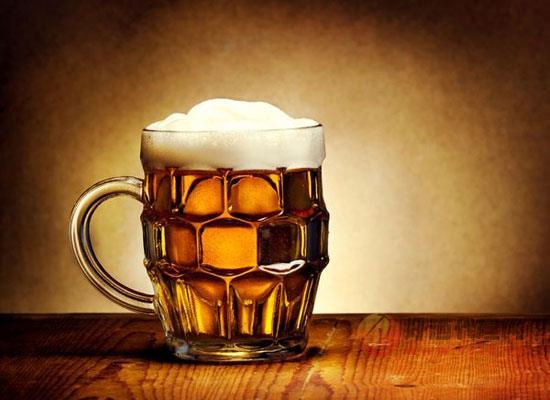 冬天可以喝啤酒吗,冬季饮用啤酒的四大妙用你get一下