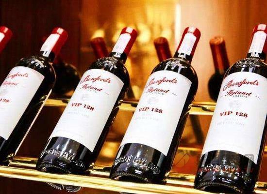 奔富海兰红酒