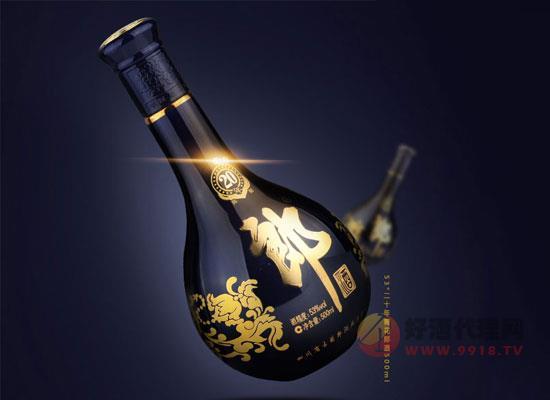 53°二十年青花郎酒价格是不是很贵?