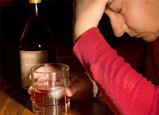 酒喝多了?吐好还是不吐好