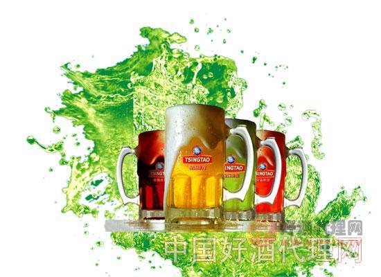 图:青岛多彩扎啤 青岛扎啤有黄扎,黑扎,红扎,蓝莓,这是其它啤酒品牌不具备的。首先扎啤是从新加入二氧化碳的冰镇纯生啤酒,不管从品质还是口感上说都是值得称赞的啤酒。 品牌的力量将为你省去大量宣传费用 青岛啤酒占据世界品牌500强啤酒的首席。其产品更是远销世界各地80多个国家。悠久的历史,国际认可的地位,过硬的质量,一直是众多消费者认可的一款啤酒。这些品牌优势将为你后期宣传推广省去大量费用。 扎啤在中国的市场前景巨大