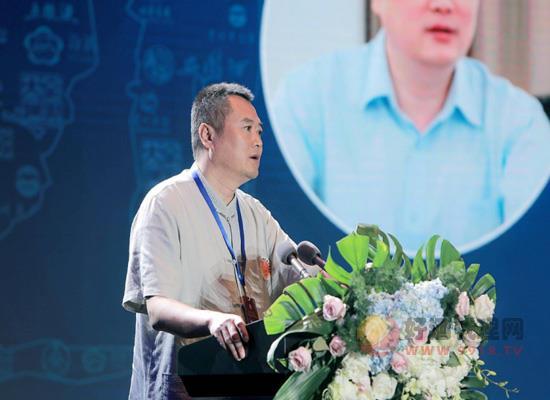 闫利军:四个方向四个要点开创中国名酒新时代