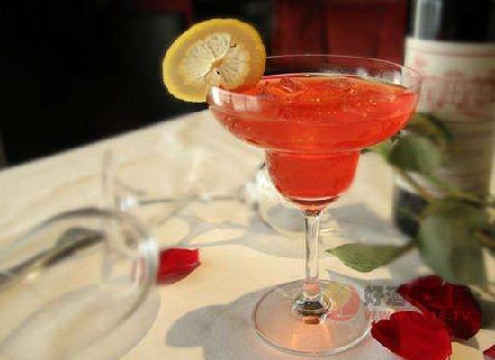 草莓玛格丽特鸡尾酒怎么喝?切莫贪凉哦!