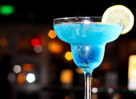 蓝色玛格丽特鸡尾酒容易醉吗?别被坑了!