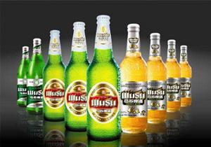 乌苏啤酒黄啤和绿啤