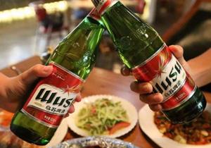 乌苏啤酒-朋友聚餐的好选择