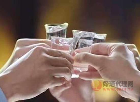白酒營銷渠道開啟瘋狂競爭模式,淺談未來經銷商發展的三條出路