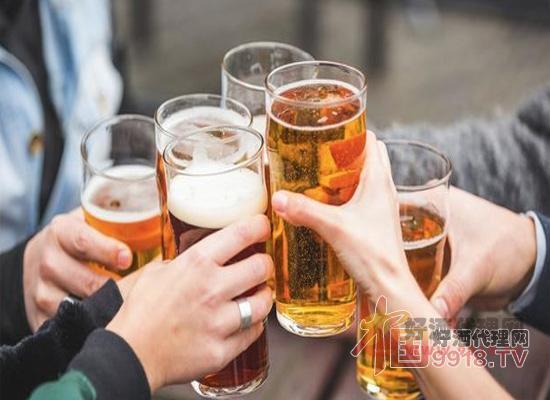 中国人喝酒图片
