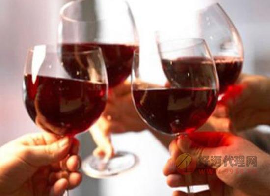 干红葡萄酒怎么喝更健康?喝干红也有小技巧