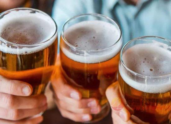 过期一年的啤酒能喝吗?过期啤酒除了喝还大有用途