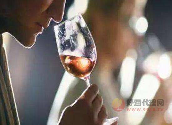 开瓶后的葡萄酒能放多久,原来不同的酒存放时间也不一样