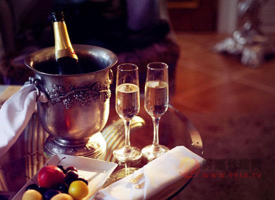 中國香檳酒市場搶眼,高端品質成酒水新趨勢!