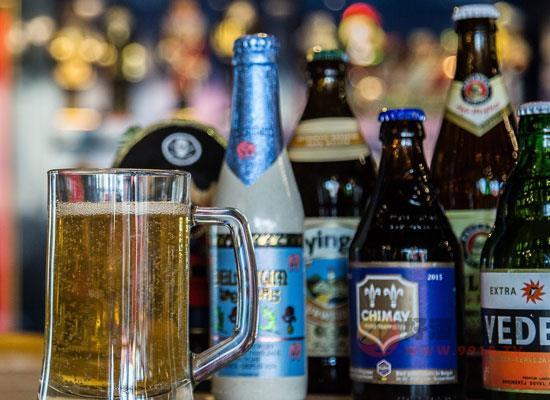 如何快速冰镇啤酒?啤酒瞬间变凉的小妙招