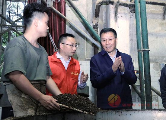 李保芳:茅台酒生产,绝对来不得半点大意和马虎!