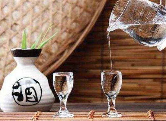 酒后口渴是什么原因?怎么快速解渴?