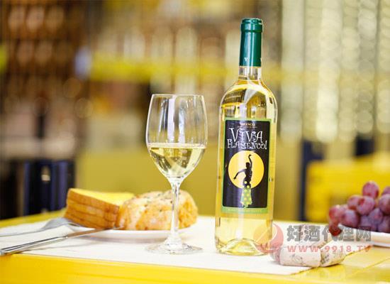 爱丽塔少女半甜白葡萄酒好喝吗,有什么优势呢?