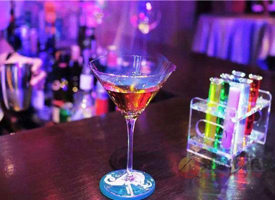 今夜不回家鸡尾酒女生能喝吗?几杯会醉?