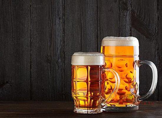啤酒和白酒有可比性嗎,一杯白酒等于多少啤酒?