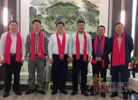 陈宁赴匠中匠上海酱酒文化体验馆考察指导