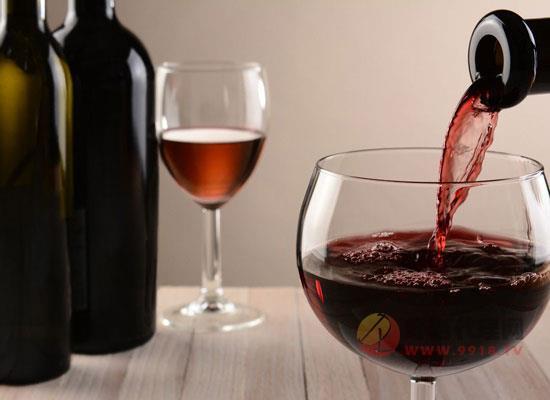 红酒加盟店如何提升销量,三个技巧帮你推销红酒