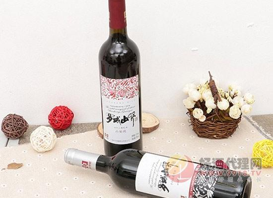 毛葡萄干红葡萄酒
