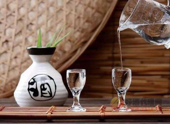 怎样挑选适合自己的白酒,也许你应该从香型着手