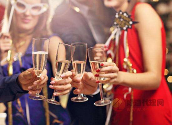 什么是年份香檳,年份香檳和無年份香檳哪個好