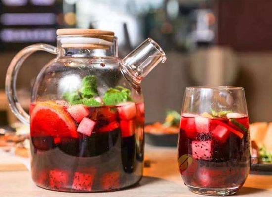 火龍果酒的制作方法,適量喝火龍果酒有什么好處