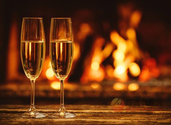香槟酒能够存放多久,香槟不宜陈年太久的原因有哪些