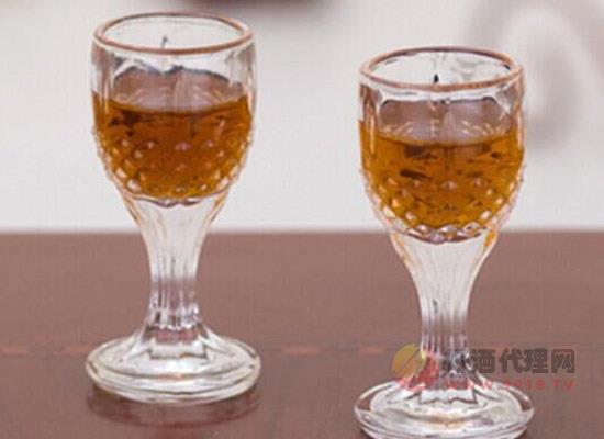 生核桃泡酒怎么样,饮用核桃酒的禁忌有哪些