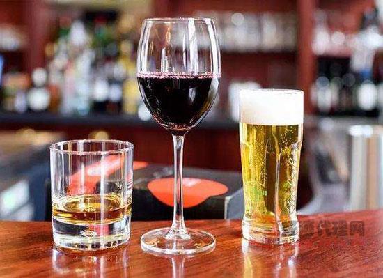 啤酒白酒红酒混着喝会怎样,这样的跨界伤不起