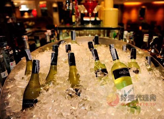 葡萄酒可以冰镇吗,冰镇后会让葡萄酒失去香气吗