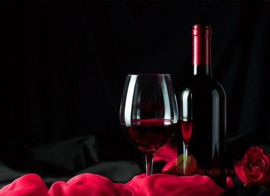 喝红葡萄酒可以搭配海鲜吗,海鲜遇到葡萄酒会怎么样