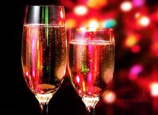 起泡酒與香檳是一種酒嗎 起泡酒屬于香檳么