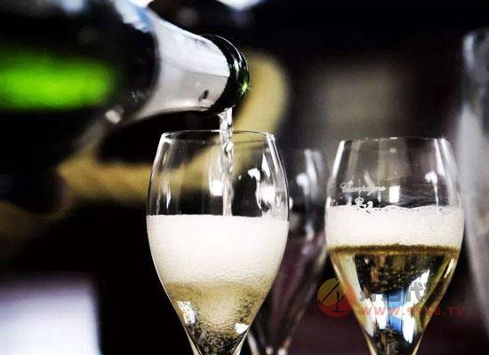 香槟是红酒吗,香槟和葡萄酒的四点区别