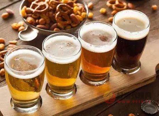 """""""精酿""""虽火,份额尚小,啤酒巨头为何抢占1%未知领域"""