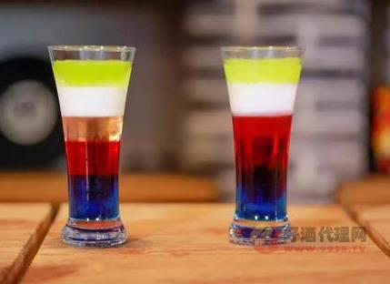 分层的鸡尾酒有哪些 三款好喝的分层鸡尾酒推荐